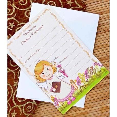 Invitacion de comunión niña sonrrisa con libro y cirio