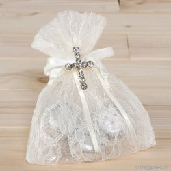 Broche Cruz en bolsa de blonda bombones