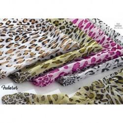 Fular estampado leopardo surtido.
