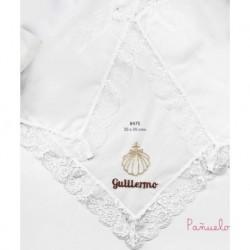 Pañuelo bautismo bordado concha con bordado personalizado