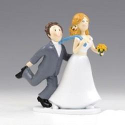 Figura tarta boda Si o Si tirando de la corbata
