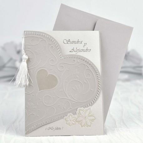 Invitación de boda corazón pompón