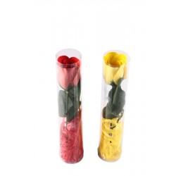 Flor rosa de petalos de jabon