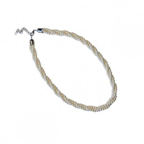 Colgante triple de perlas blancas